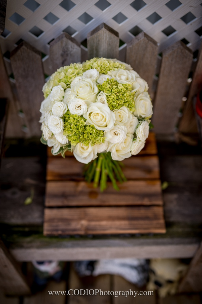 bouquet white and green